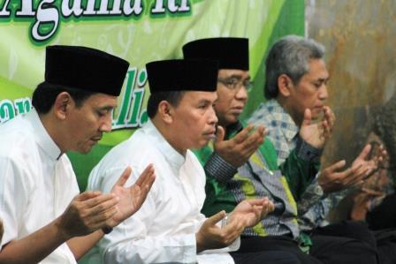 Wakil walikota bogor dan Kakanwil Kemenag saat acara buka bersama LDII di Bogor